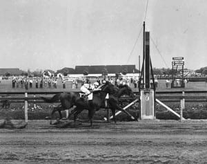 Among the greats that Gallorette defeated was Stymie, here in the 1946 Brooklyn.  Keeneland-Morgan photo.