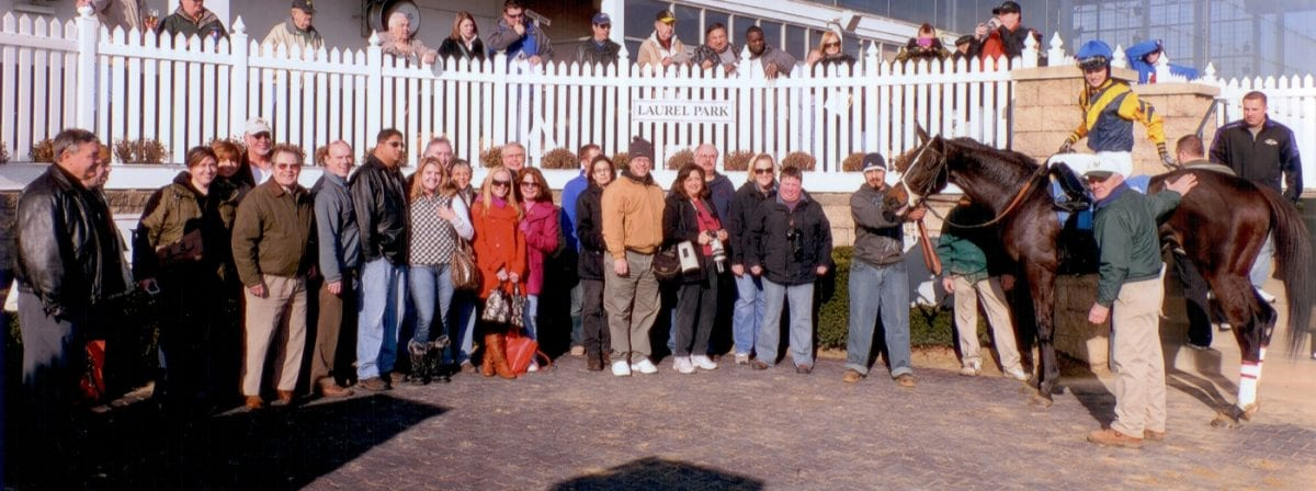 Racetrackers spread some holiday cheer