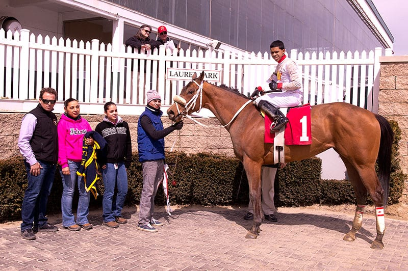 Juan Vazquez (far left). Photo by Jim McCue, Maryland Jockey Club.