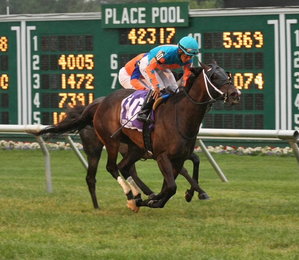 I'm Already Sexy gets it done in the Eatontown. Photo By David Owens/EQUI-PHOTO