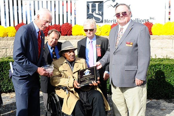 Gelo Hall receives the 2014 Joe Kelly Unsung Hero Award. Photo courtesy of Maryland Million, Ltd.