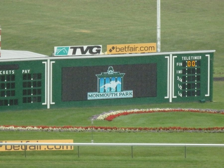 Monmouth Park to accept first sports wagers Thursday